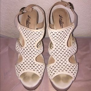 Cute little cream colored wedges!